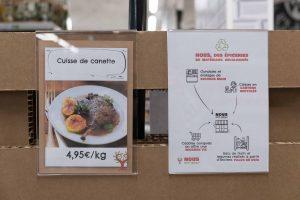 """""""Nous Anti-Gaspi"""" est un réseau d'épiceries qui s'approvisionnent grâce aux invendus, aux produits dont la date de péremption est proche et aux fins de séries, auprès de la grande distribution, de leurs fournisseurs et de petits producteurs. ©Marion Esquerré"""