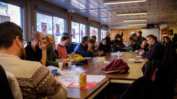 Assemblée interprofessionnelle de la CGT dans leur local de la Gare d'Austerlitz (Paris XIIIe). © Léonor Lumineau