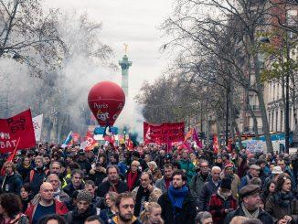 Jeudi 19 décembre, nouvelle journée de mobilisation interprofessionnelle contre la reforme des retraites à Paris. © Juliette Pavy