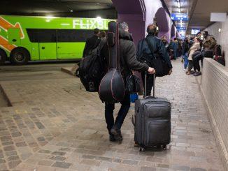 Transport FlixBus à la gare routière. © Paloma Laudet