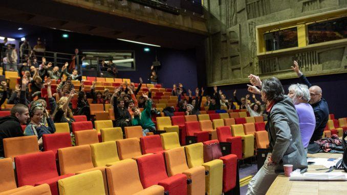 Assemblée générale des grévistes à Radio France, le 16 décembre 2019. © Natalya Saprunova